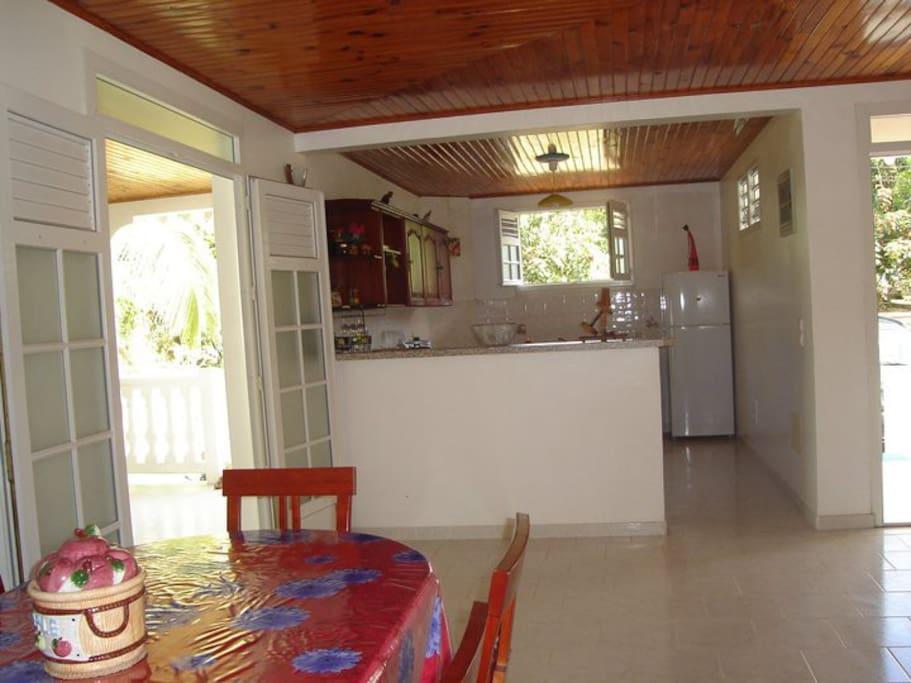 salle manger et cuisine