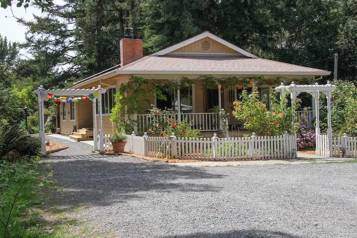 Farm Stay Cottage in Nature - Pet Friendly