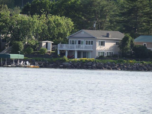 LakeFront - 25 min. from Jay Peak - Newport - Chalé