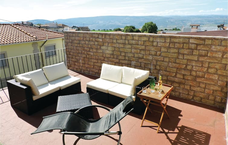 Holiday cottage with 4 bedrooms on 380 m² in Sanfins do Douro