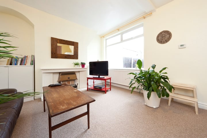 Clean big Room in London (Room 1)