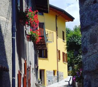 Casa Ramus Valle Camonica a 30 km dal Passo Tonale