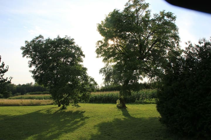 Country House in Europe's heart - Mérges - Huis