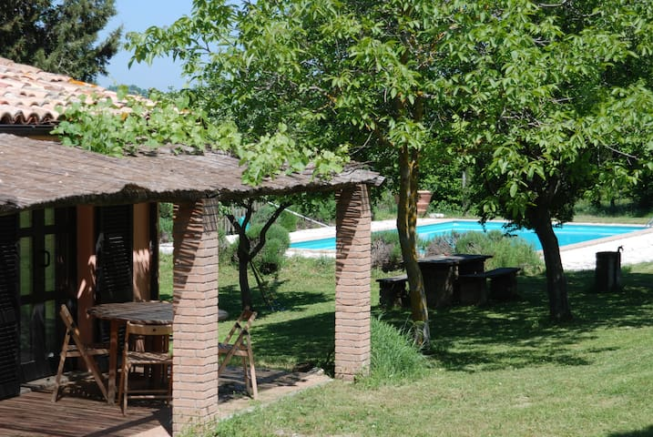 "Villa with pool ""Il Tamantino"". - Gubbio - Wohnung"