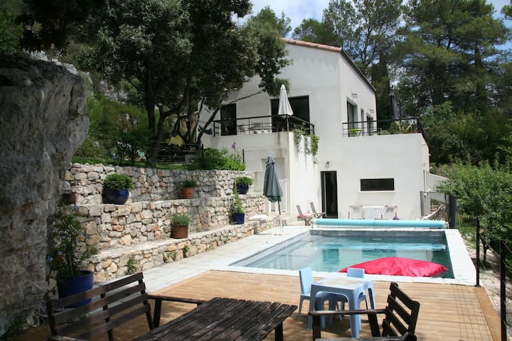 NICE VILLA WITH SWIMMING POOL - NEAR MONTPELLIER - Grabels - Villa