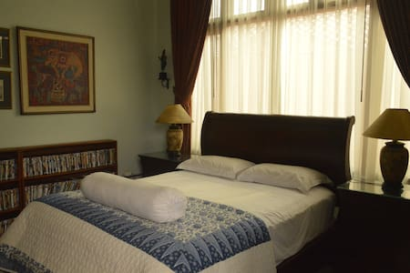 PESONA GUEST HOUSE JAKARTA (Room 3) - Jakarta Sud