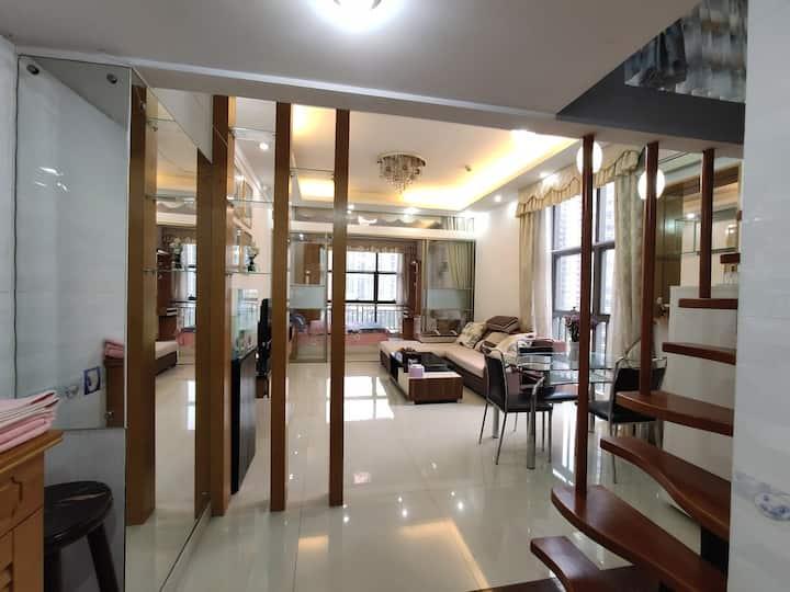 虎门大二房双床,超大客厅,生日派对,公司团建。近天虹,沃尔玛。包月优惠啦