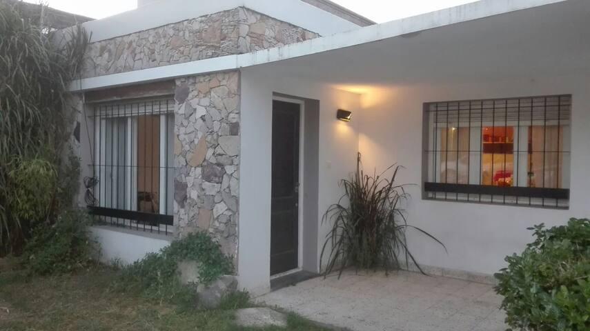 Casa amplia y cómoda para 7 personas!!