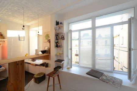 studio of Kiev artist - Kyiv - Apartment