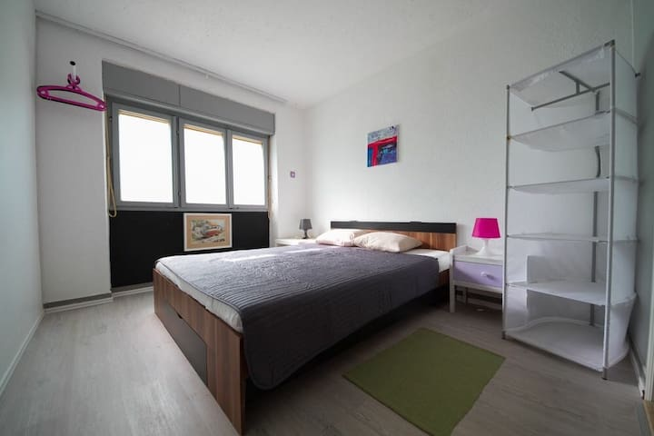 Small private room 13m2 with private bathroom,