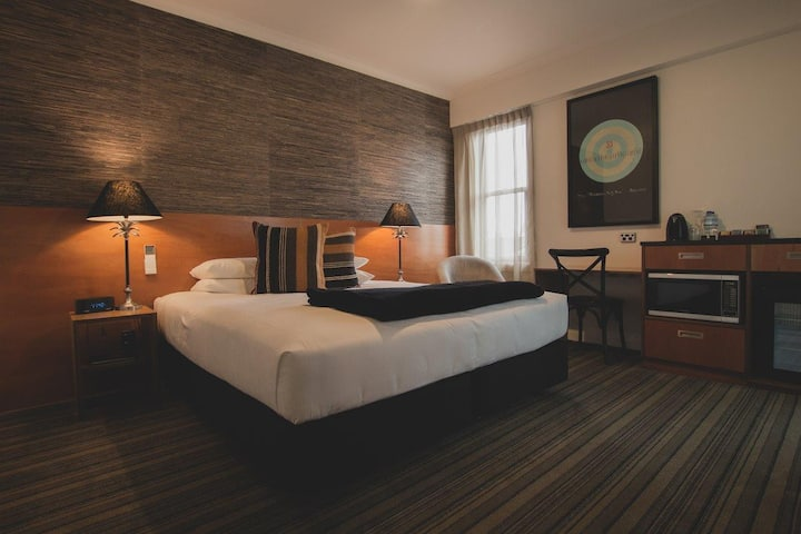 King Deluxe Room in Stylish Boutique State Hotel