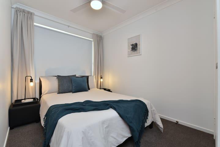 Double bed guest bedroom