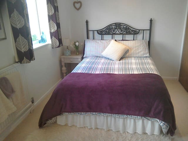 Light, Airy Double Room - Bognor Regis - Rumah