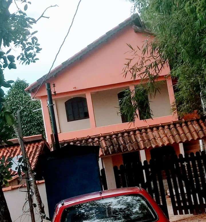Linda casa em Penedo!