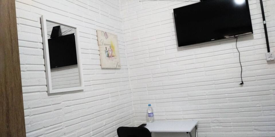 Mesa e TV