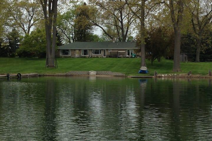 Niles MI Lakehouse1 near Notre Dame