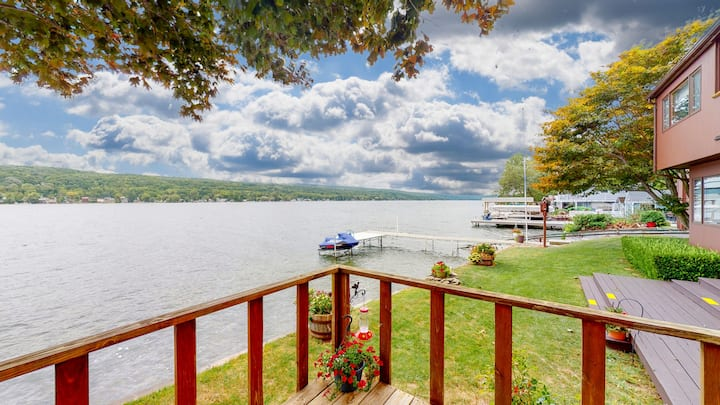 'Keukation'  - A Beautiful Lakefront Home. NEW!!