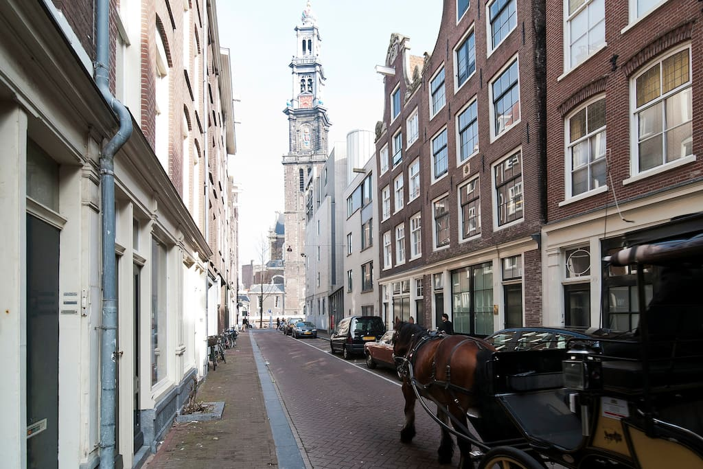 Streetvieuw Bloemstraat...comes out to Prinsengracht and Westerchurch.