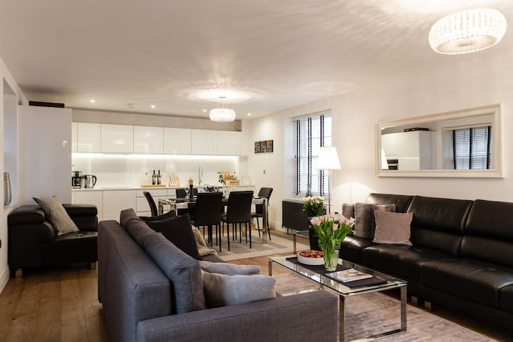 NEW LUXUS! 2BED/2BATH COVENT GARDEN 3min to subway - London - Leilighet