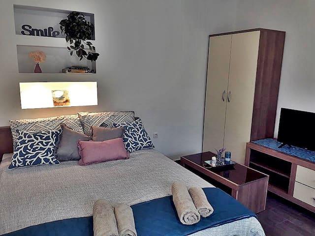 Izy Studio Apartment