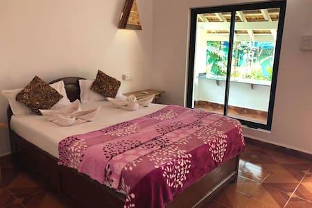 AC Room @ Agonda Beach with Veranda
