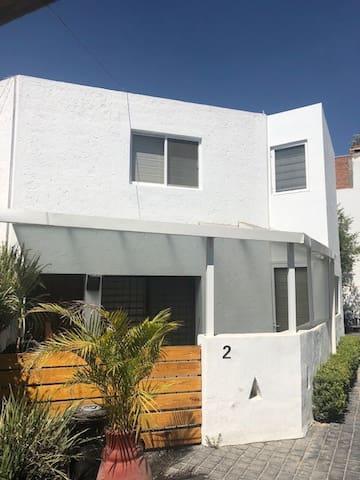 Casa Mariela - casa pequenia muy bonita