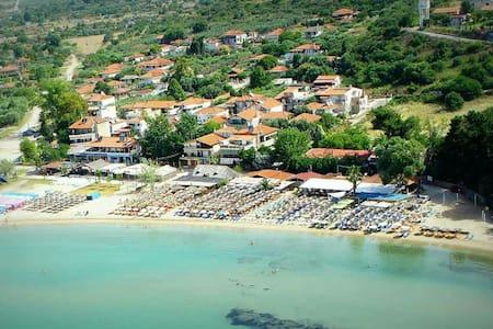 Vergia beach chalkidiki Greece - Néa Kallikrátia - House