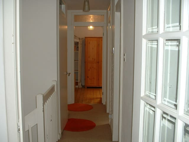 Lovely Mews Property, Festival Let - Edinburgh - House