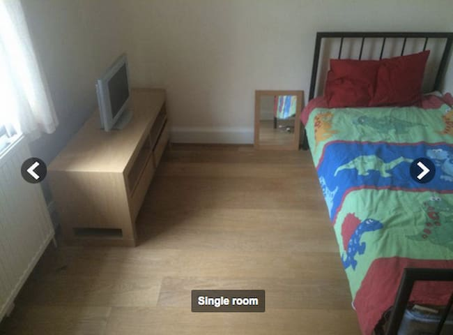 BEAUTIFUL DOUBLE ROOM AT OXFORD CIRCUS