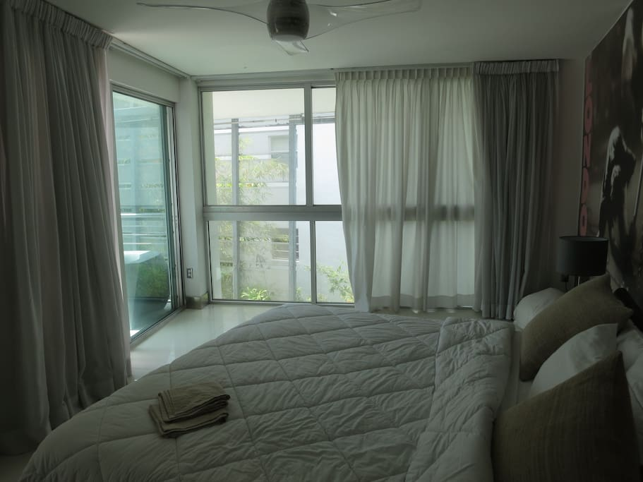 Double Bedroom with AC and ceiling fan. Ensuite bathroom .