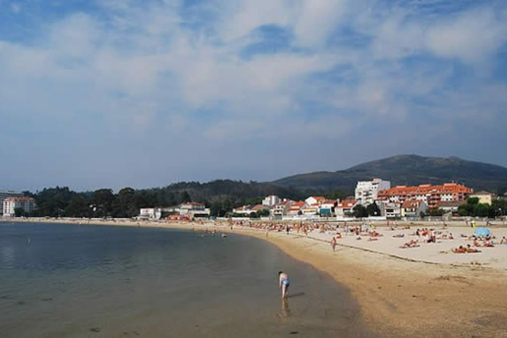 Piso en la playa de la compostela apartamentos en for Pisos en la playa
