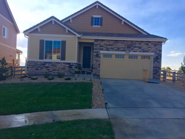 Broomfield Home with a Mountain View
