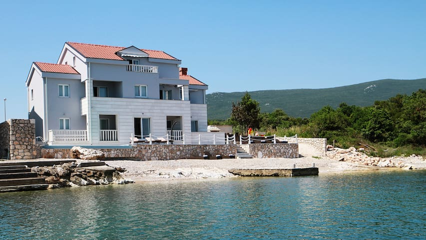 Exclusive villa with private beach