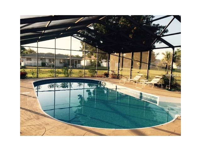 POOL HOME $85 NITE FOR SPRINGTIME/SUMMERTIME  2017 - Englewood - House