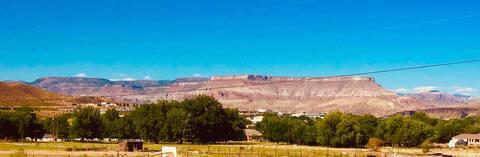 Near Zion Amazing View Clean 1bed/1bath Sleeps 2