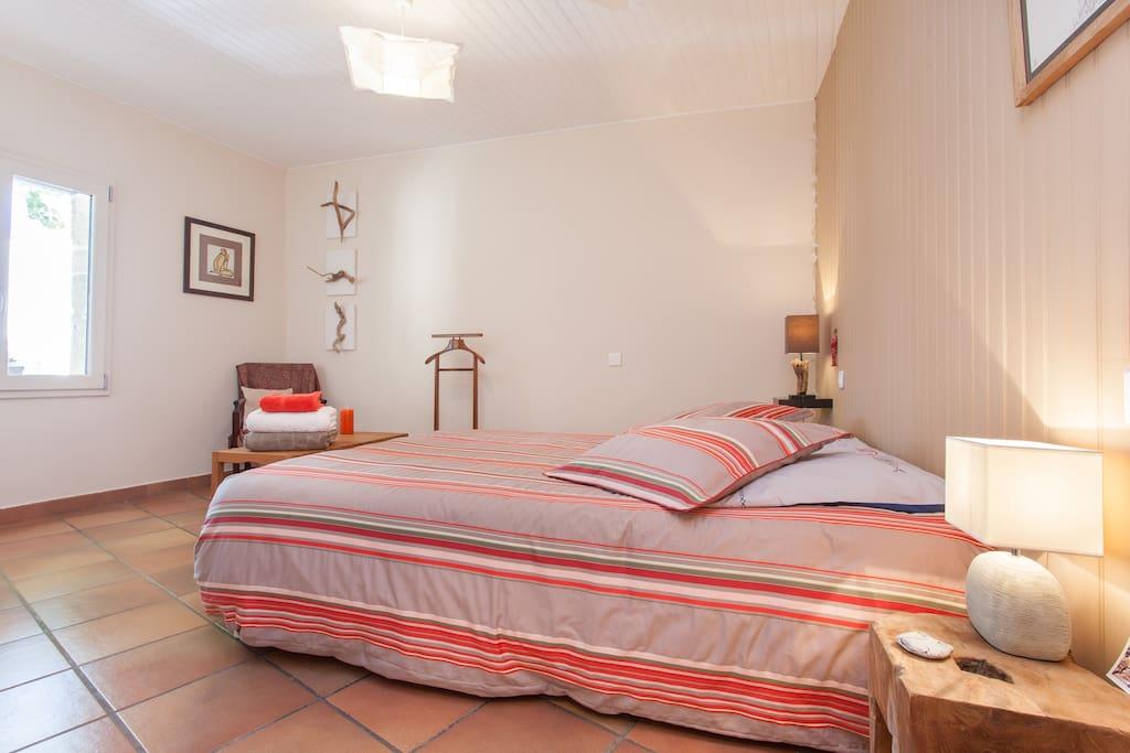 Poissons rouges chambre et toilettes priv es maison for Chambre d hotes languedoc