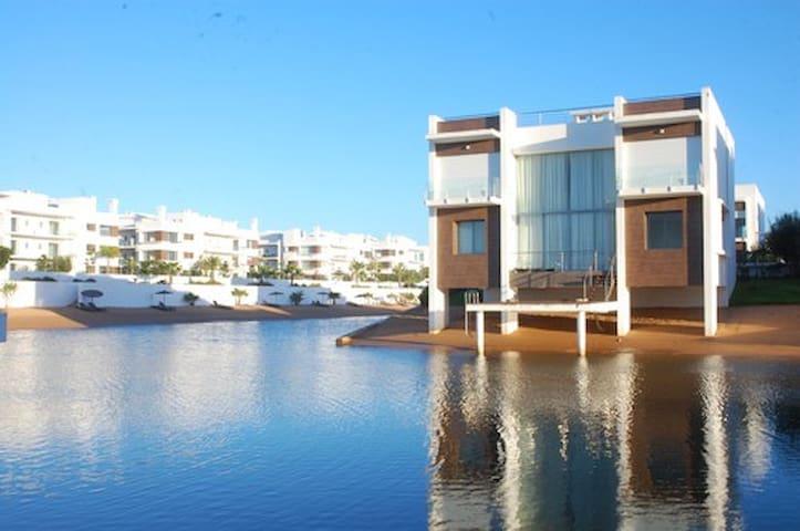 Villa sur pilotis - Eden Island - Bouznika - Talo