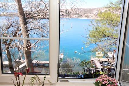Fisherman's home with sea view - Kraljevica
