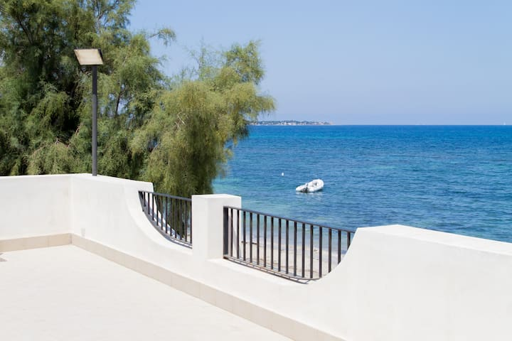 TWO BEDROOM FLAT ON THE BEACH