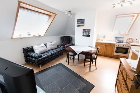 Gemütliche OG-Wohnung - Berumbur - Apartment