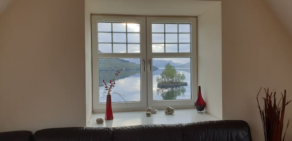 Lochside Apartment in Stronachlachar, Trossachs