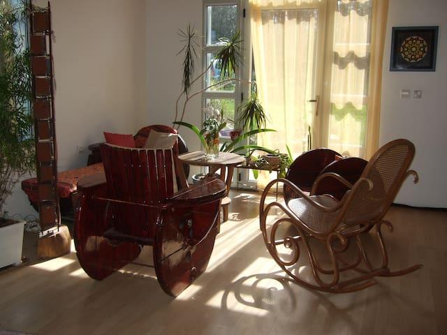 Maison contemporaine à la campagne - Plogonnec - Haus