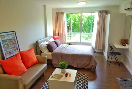 Nice comfy fully-furnished studio near university - Su Thep