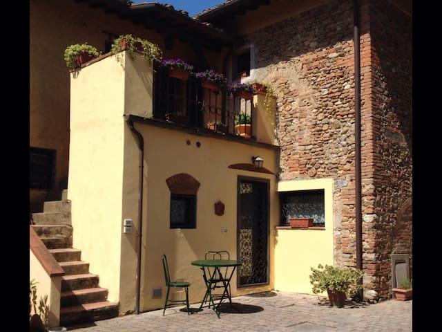 Il nido sul Poggio - Ginestra Fiorentina  - House