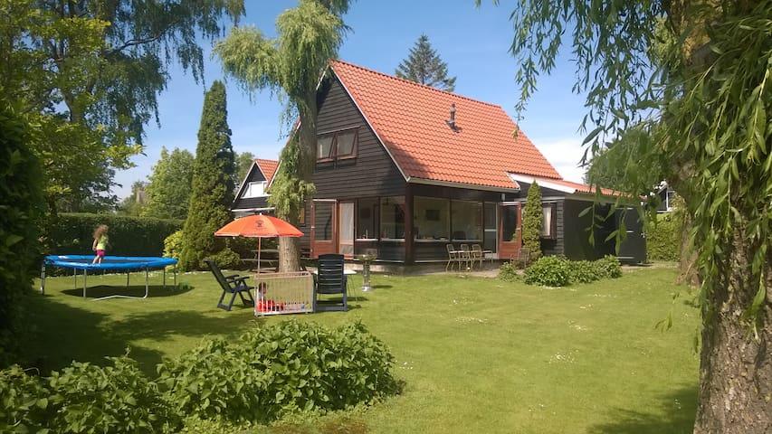 De Meerboet - Terherne - House