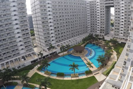 RLR Condo at Shell Residences with Pool View
