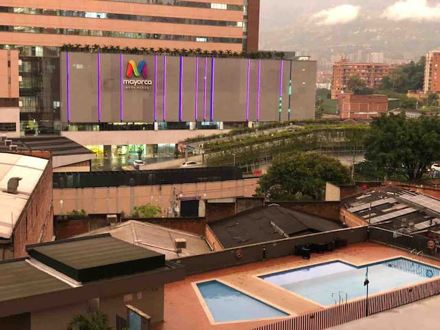 Habitación cerca al cc Mayorca, estación del metro