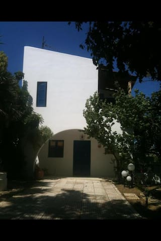 Leave your myth in Marathi Crete - Marathi - Villa