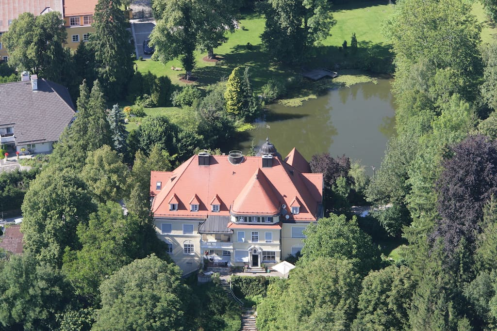 Air view on castle Moerlbach from the south