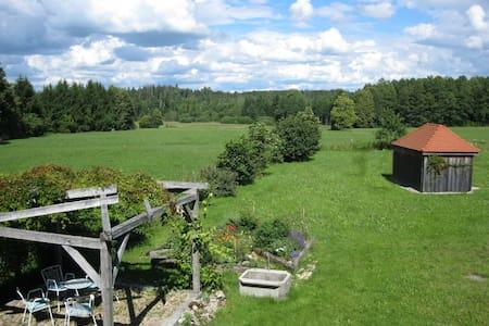 Helles Landhaus auf Waldlichtung - Dießen am Ammersee - House